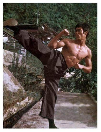 Bruce Lee Discovers Jeet Kuen Do